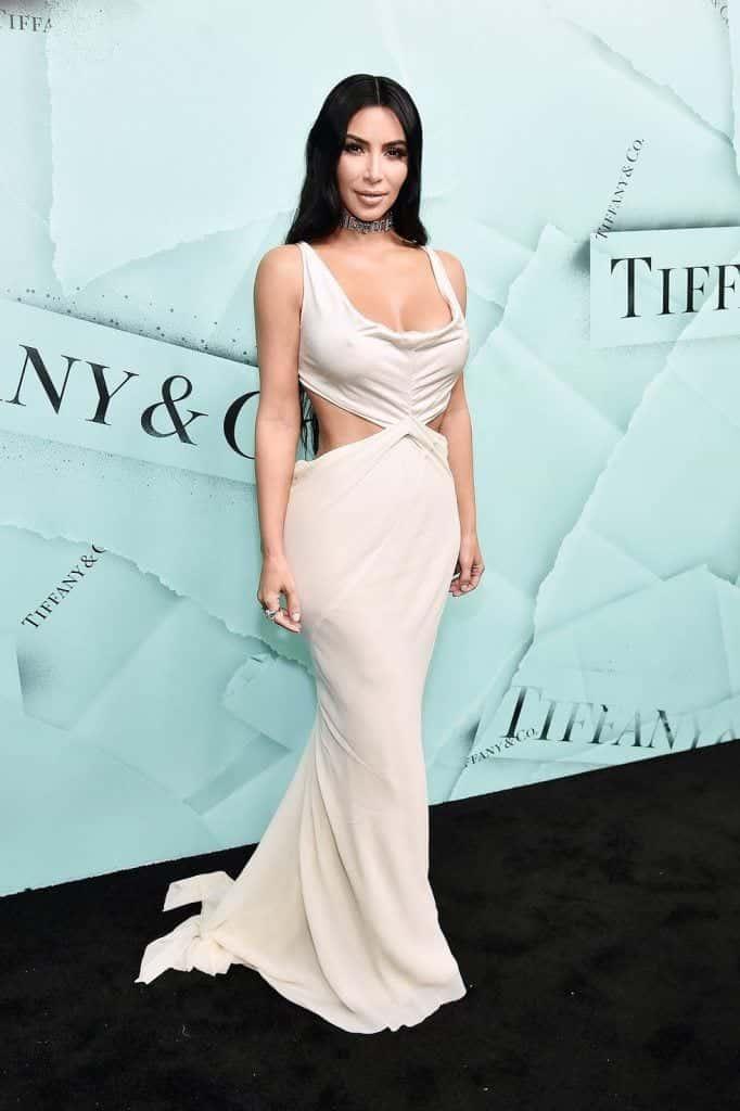kim-kardashians-iconic-looks-22-682x1024 30 Most Stylish Kim Kardashian Outfits - Style Transformation