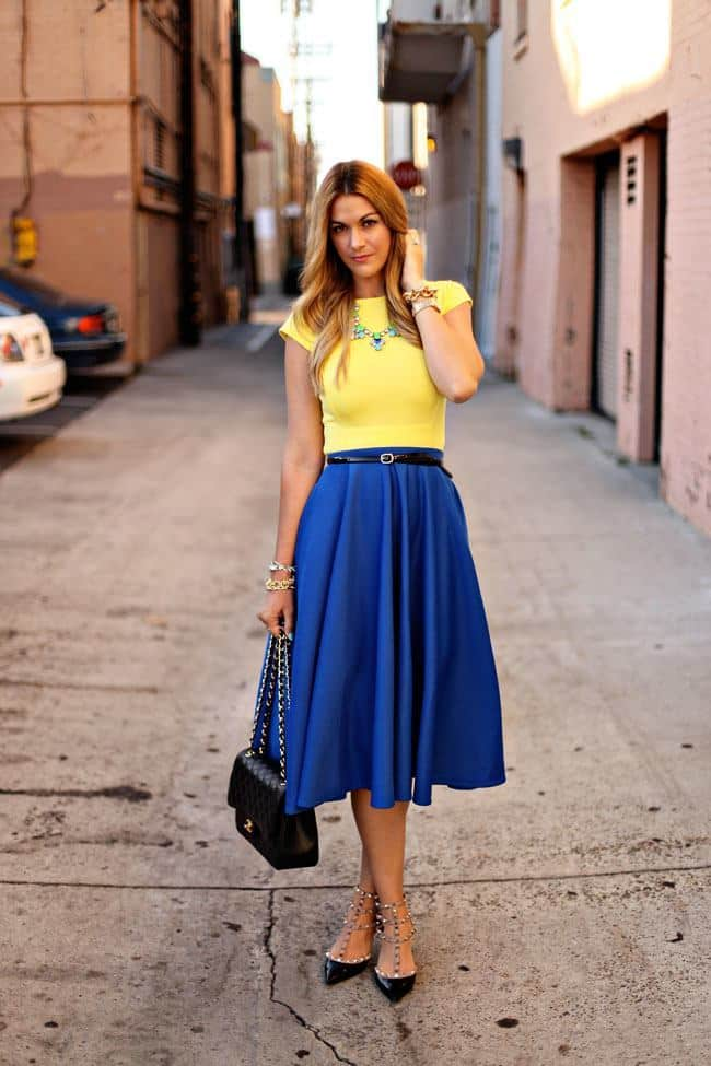 midi-skirt-in-spring 21 Trending Spring Street Style Outfits for Women This Year