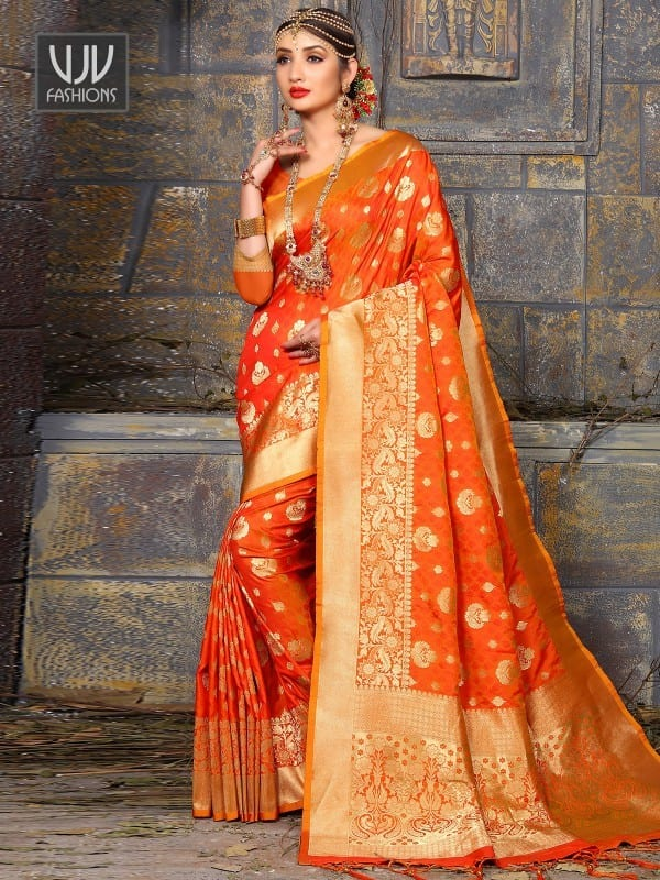 modest-saree-designs-1 15 Modest and Chic Saree Styles for Muslim Women