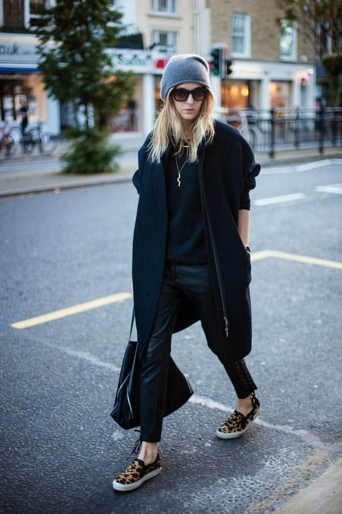 perfect-footwear-for-winter-street-fashion 25 Most Popular Winter Street Style Outfit Ideas for Women