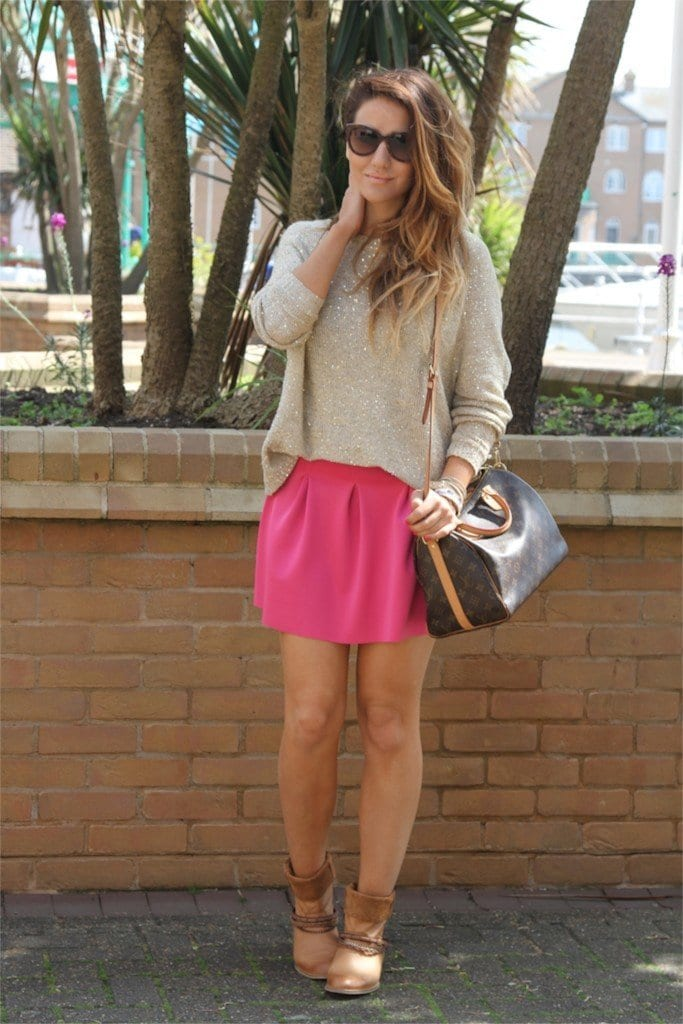 pink-skirt-wearing-ideas-683x1024 Cute Pink Outfits-20 Best Dressing Ideas with Pink Outfits