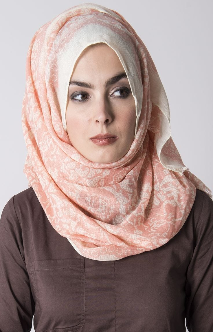 step-by-step-hijab-round-face-tutorial 17 Cute Hijab Styles for Round Face With Simple Tutorials