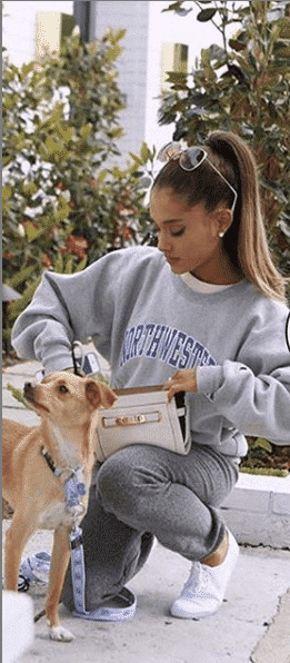 the-lazy-day-look 32 Cutest Ariana Grande's Outfits That Every Girl will Love