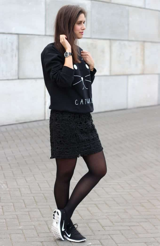 women-sporty-outfit-with-skirt Women Sporty Style-30 Ways to Get a Fashionable Sporty Look