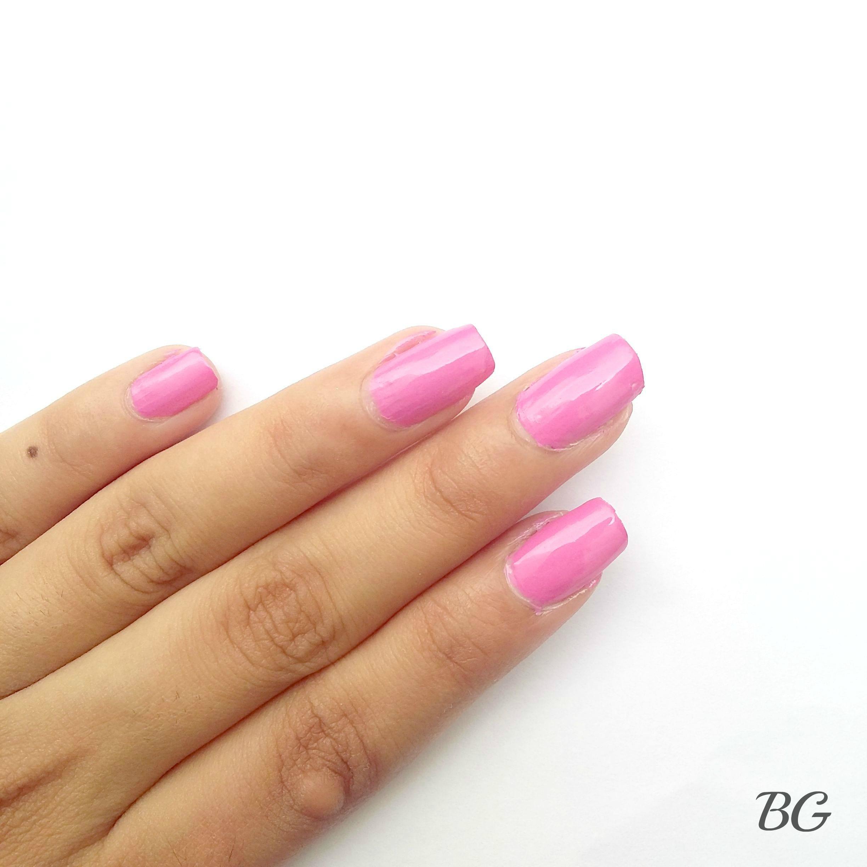 Nail-Art-Tutorial-Summer-Confetti-1 Quick DIY Summer Nail Art Tutorial - Confetti Nail Design