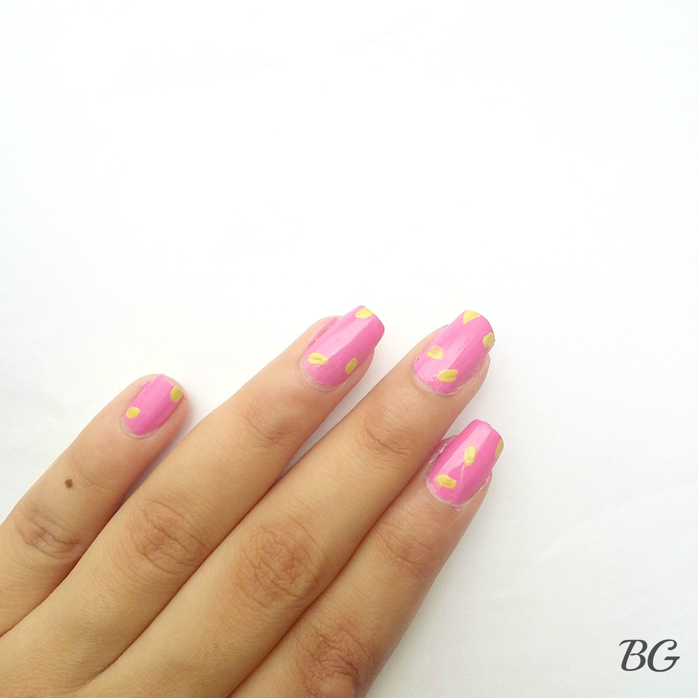 Nail-Art-Tutorial-Summer-Confetti-2 Quick DIY Summer Nail Art Tutorial - Confetti Nail Design