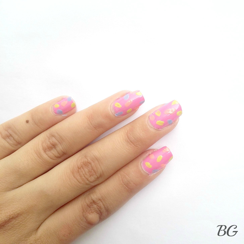 Nail-Art-Tutorial-Summer-Confetti4 Quick DIY Summer Nail Art Tutorial - Confetti Nail Design