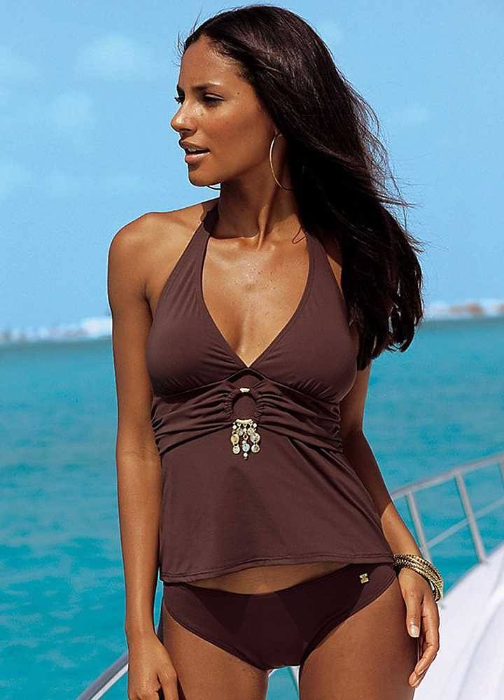 ff05b76e0f2472415490ce90a3e8ea8b 18 Swimwear Outfits For Dark Complexion Ladies- Bikini Style