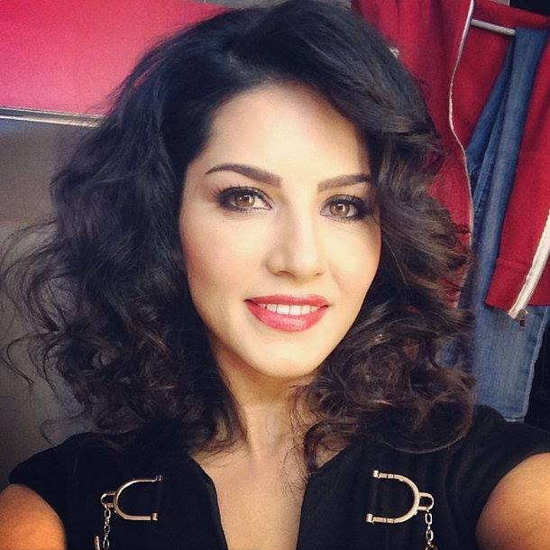 1654152_201055386769281_762152929_n 20 Best Sunny Leone Hairstyles of All time