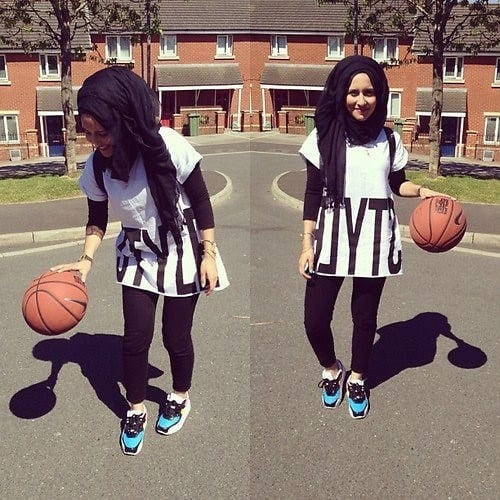 24 Sporty Look with Hijab-14 Modest Hijab Sports Outfits Combinations