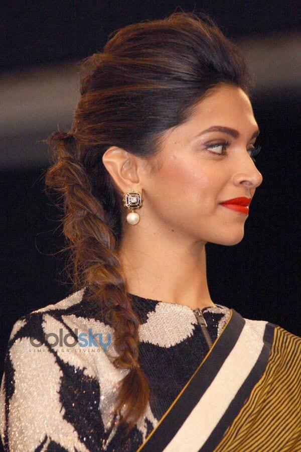 Deepika Hairstyles 20 Best Hairstyle Of Deepika Padukone