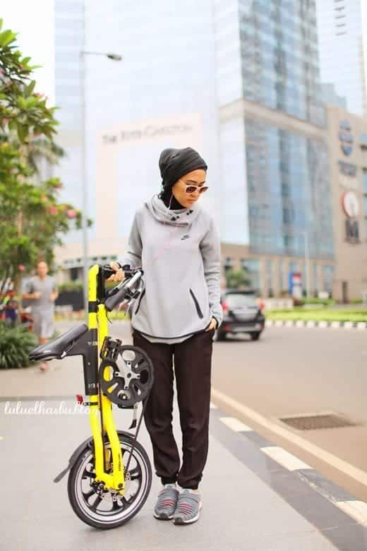 34 Sporty Look with Hijab-14 Modest Hijab Sports Outfits Combinations