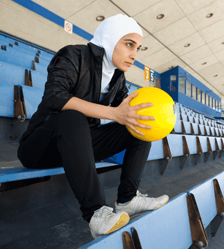 6 Sporty Look with Hijab-14 Modest Hijab Sports Outfits Combinations