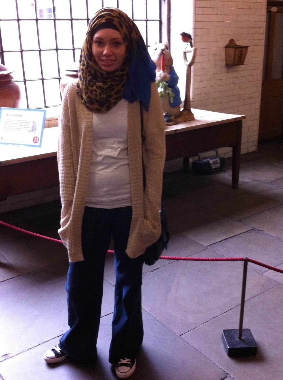 71 Hijab with Jeans–19 Modest Hijab Jeans Outfits this Season