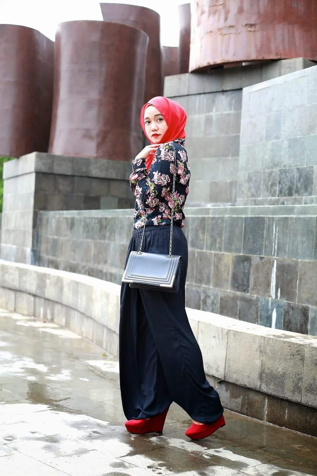 7Q7A3735 Hijab with Palazzo Pants-20 Ways to Wear Palazzo Pants Modestly