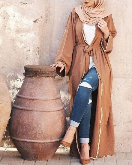 Abaya with Jeans 10 Ways to Style Jeans with Abaya Modestly