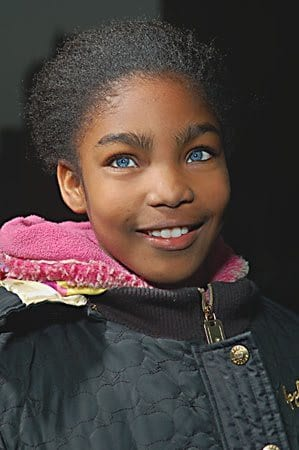 Black-girl-blue-eys 20 Amazing Pictures of Black People with Blue Eyes