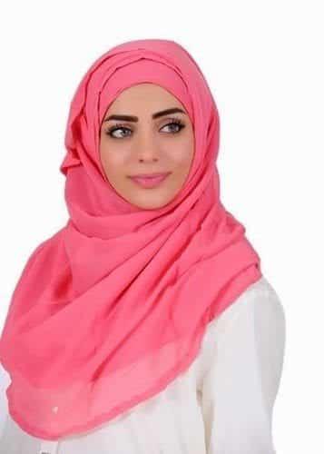 Plain-Hijabs-in-2015-Casual-Hijab-Fashion-2015-www_she-styles_blogspot_com-005 Pink Hijab Styles-17 Ways to Wear Pink Colour Hijab