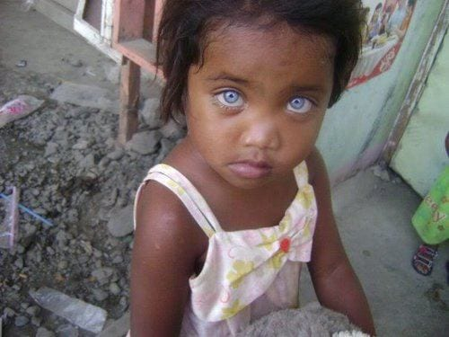 black-baby-girl-with-blue-eyes 20 Amazing Pictures of Black People with Blue Eyes