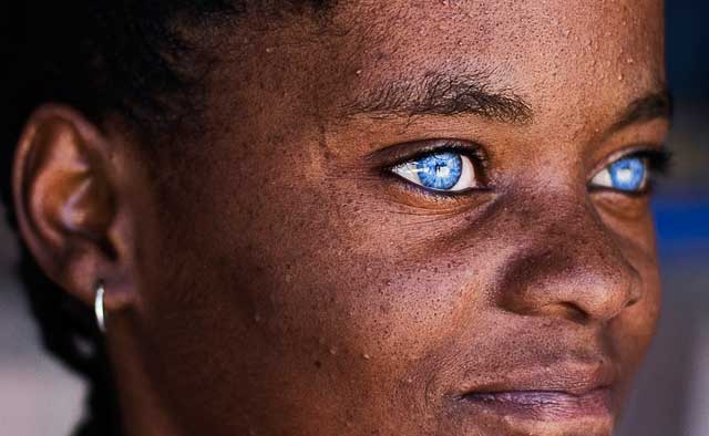 black-with-blue-eyes 20 Amazing Pictures of Black People with Blue Eyes