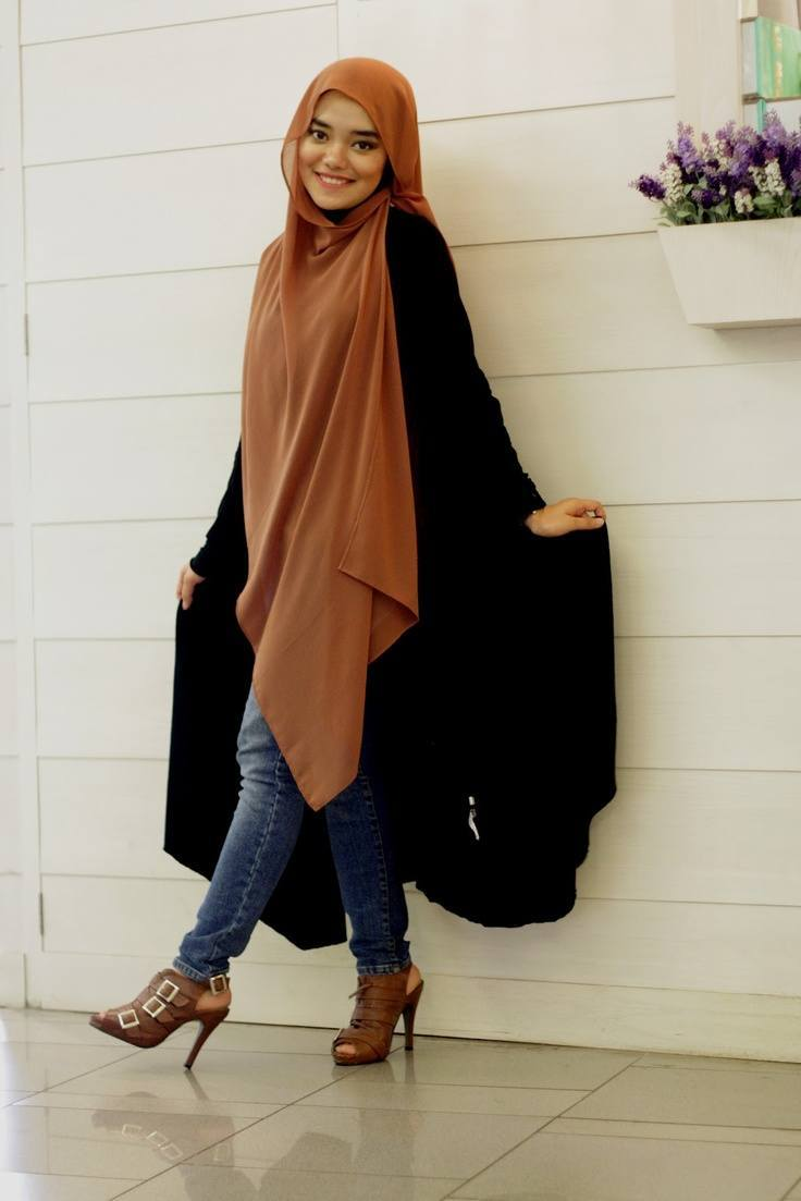 fashion-hijab Abaya with Jeans-10 Ways to Style Jeans with Abaya Modestly