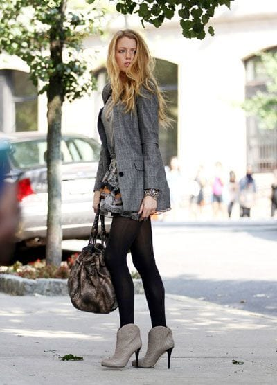 20 Ideal Shoes To Wear With Tights For Different Occassions