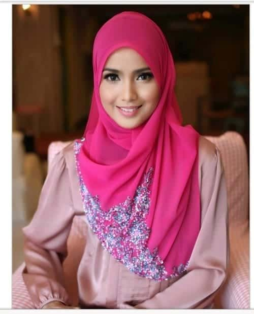 large-42 Pink Hijab Styles-17 Ways to Wear Pink Colour Hijab