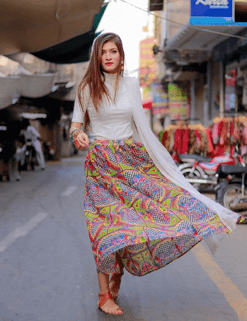 shoes-with-skirts-1 28 Recommended Shoes to Wear with Skirts of Different Types
