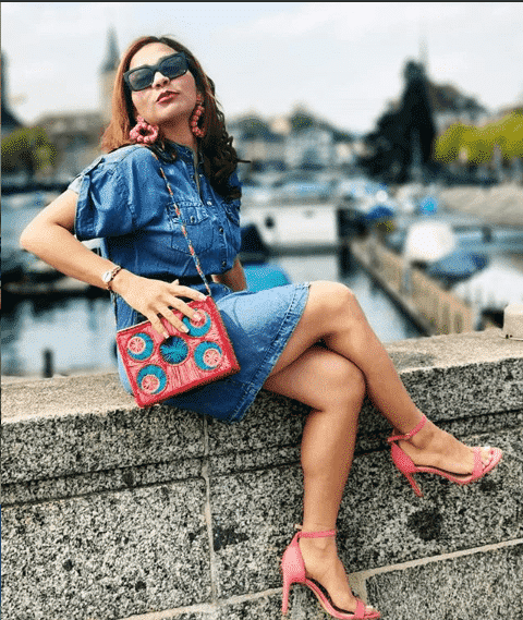stilettos-on-denim-skirt 28 Recommended Shoes to Wear with Skirts of Different Types