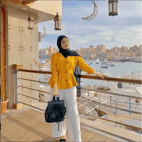 traveller-hijab-outfit Casual Hijab Outfits–33 Ways to Wear Hijab Casually