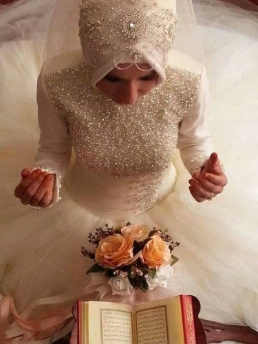 wh111-375x500 Wedding Hijab Styles - 20 Simple Bridal Hijab Tutorials