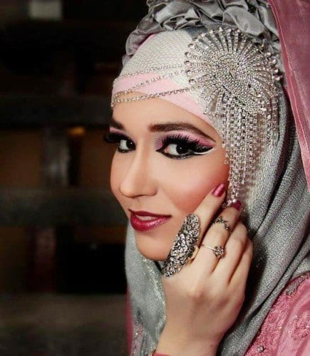 wh71-435x500 Wedding Hijab Styles - 20 Simple Bridal Hijab Tutorials