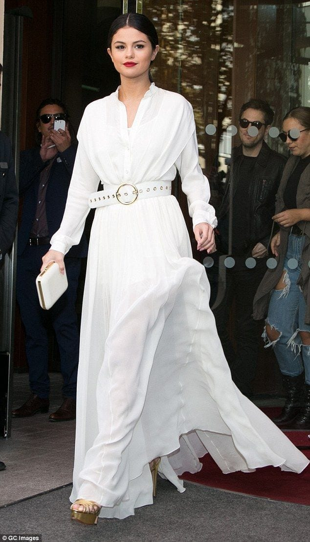 0d51a7fdca5b284eca821869a29ac08e 20 Ways to Wear All White Outfits Like Celebrities this Year