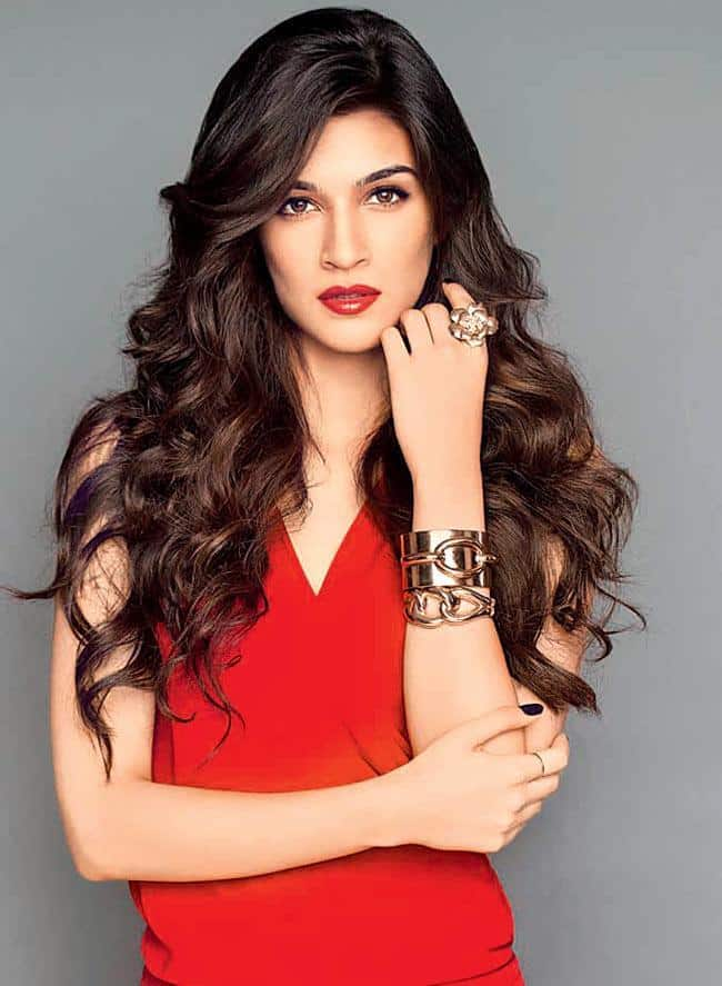 20 Kriti Sanon Pics - 30 Cute Kriti Sanon Outfits and Looks