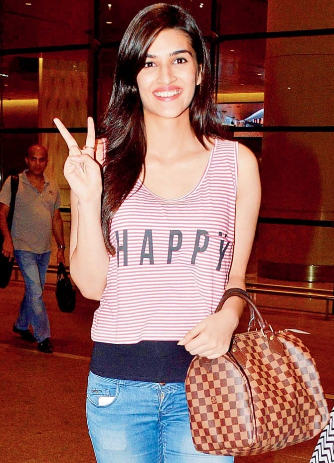 241 Kriti Sanon Pics - 30 Cute Kriti Sanon Outfits and Looks