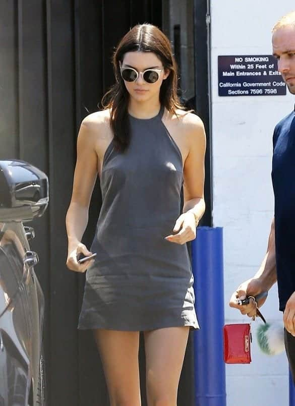 253e58a7bdb7de2cfd9e38d2848bfc7e 20 Times Kendall Jenner Goes Braless and Looks Simply Flawless