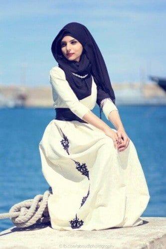 dp17-333x500 Cute DPs of Islamic Girls - 30 Best Muslim Girls Profile Pics