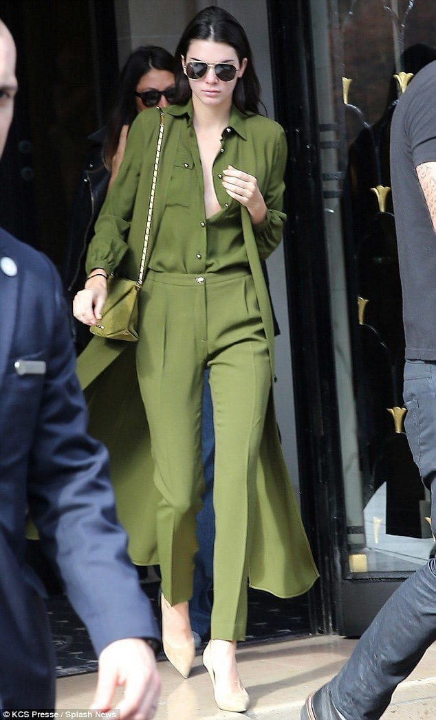 kendall-jenner-braless-pictures 20 Times Kendall Jenner Goes Braless and Looks Simply Flawless