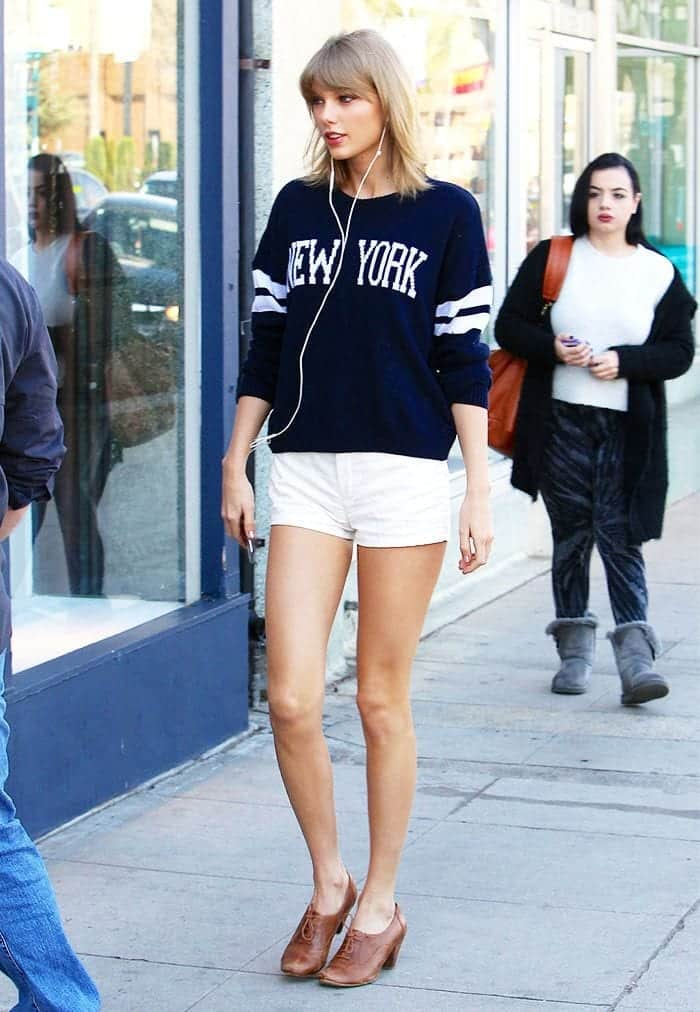 5aaea4e5c4cd777a7898dad56c020ac6 Taylor Swift Fashion - 25 Cutest Taylor Swift Outfits to Copy This Year