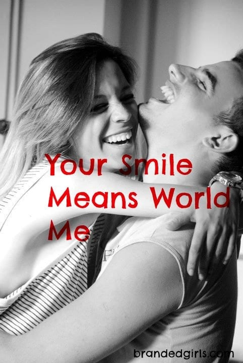 how-to-praise-girls-smile 30 Cute and Romantic Things Say to A Girl to Win Her Heart