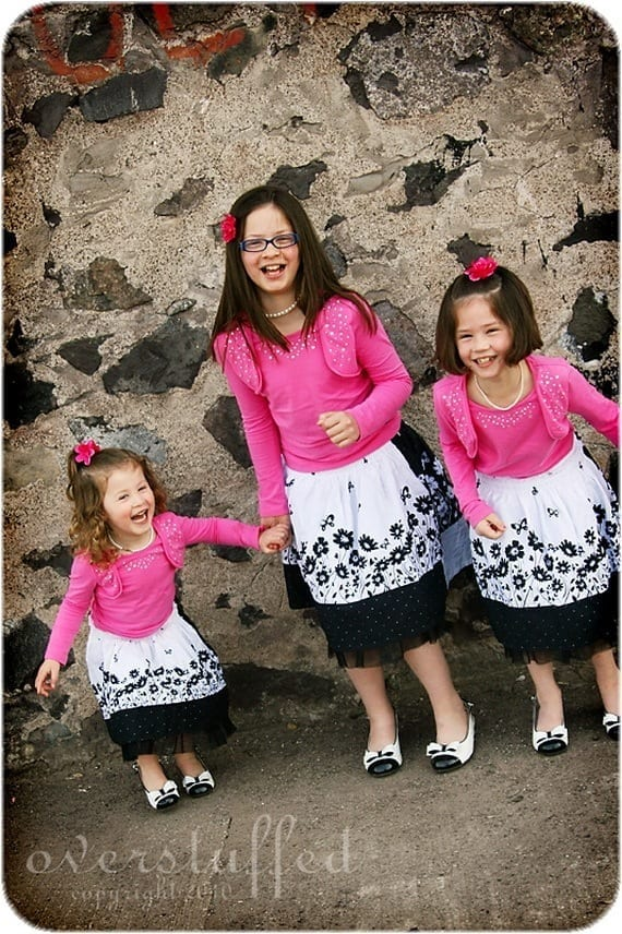Matching-Family-Easter-Spring-Outfits_01 14 Cute Matching Outfits For Siblings That The Family Will Love