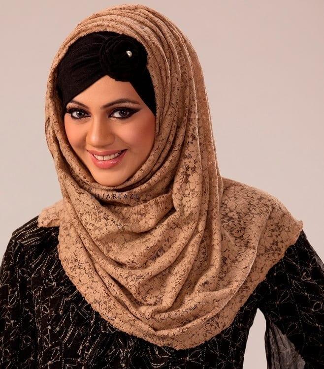 1 Hijabi Actresses - Top 10 Celebrities Who Wear Hijab