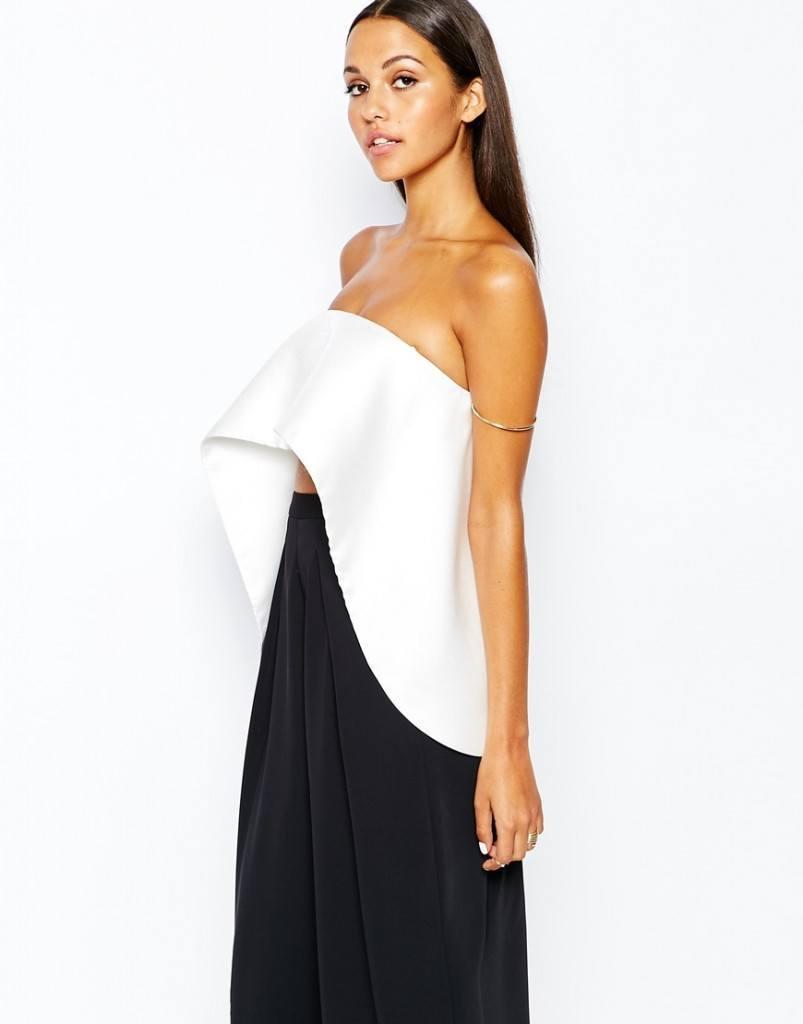 Bold-Frill-803x1024 20 Ways to Wear & Style Ruffled Outfits–Ruffles Frills Fashion