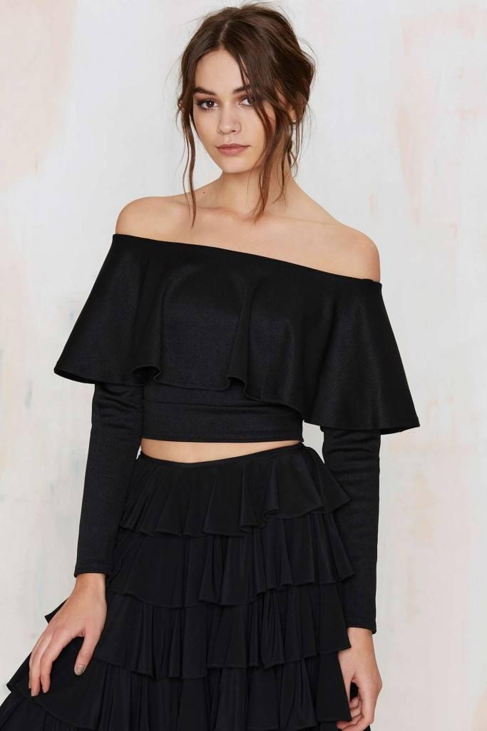 Both-Ruffle-683x1024 20 Ways to Wear & Style Ruffled Outfits–Ruffles Frills Fashion