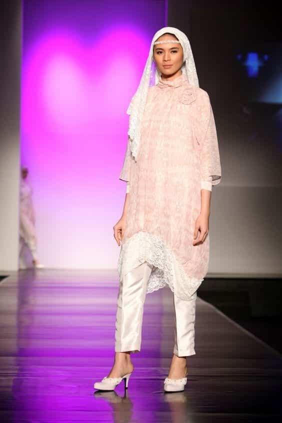 Lacy 15 Trending Kuwait Street style Fashion for Women to Follow