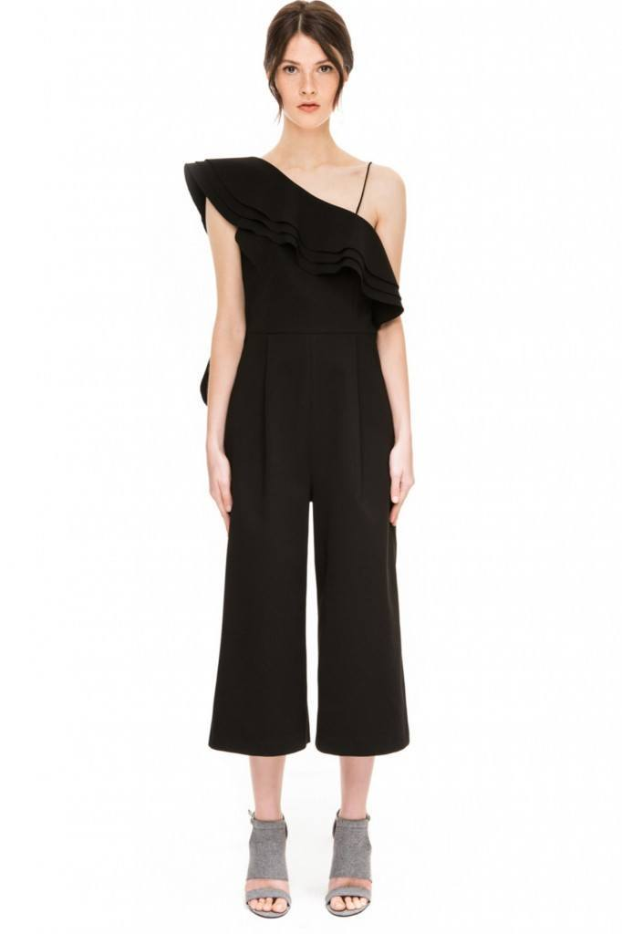 Long-Ruffle-682x1024 20 Ways to Wear & Style Ruffled Outfits–Ruffles Frills Fashion