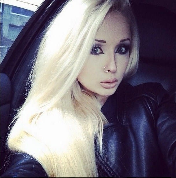 Val-1 10 Girls Who Look Like Barbie Dolls In Real-Unbelievable
