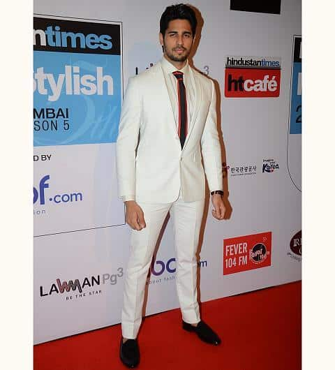 11-Manish-Malhotra-Designer-Outfit Sidharth Malhotra Outfits-30 Best Dressing styles of Sidharth Malhotra to Copy