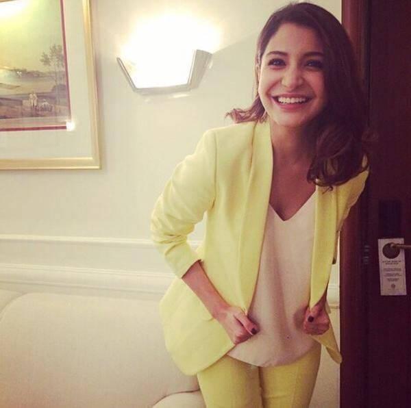 12-Anushka-Sharma-in-a-Blissful-Yellow-Suit Anushka Sharma Outfits-32 Best Dressing Styles of Anushka Sharma