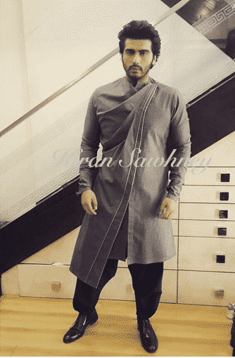 16-His-Drapt-Kurta-Outfit-for-Tevar Arjun Kapoor Outfits-30 Best Dressing Styles of Arjun Kapoor to Copy